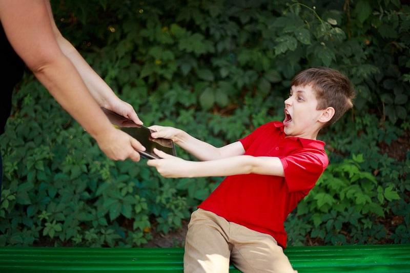 เด็กติดเกมส์ เป็นปัญหาของเด็กหรือปัญหาครอบครัว